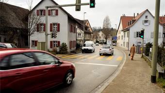 Bald müssen Schüler alleine hier rüber: Fussgänger-Übergang Bruderholzstrasse in Bottmingen.