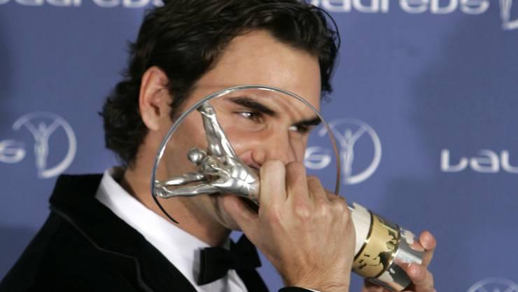 """Wie letztmals 2008 erhält Roger Federer nun zum fünften Mal die Trophäe für den """"Weltsportler des Jahres"""""""