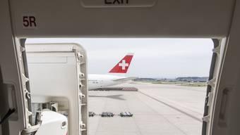 Im Mai flogen bereits wieder 60 Prozent mehr Passagiere über den Flughafen Zürich als im April.