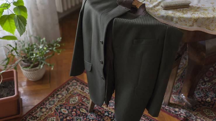 Die Preise für die chemische Reinigung eines Sakkos und einer Anzugshose variieren je nach Land beträchtlich. (Archiv)