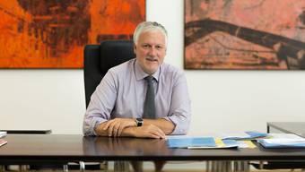 Nach 12 Jahren im Amt ein entspannter Blick zurück: Peter Gomm in seinem Büro im Ambassadorenhof.