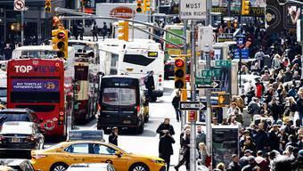 Anschlagsziel Times Square in New York: Der Festgenommene soll der schiitischen Hisbollah-Miliz detaillierte Informationen zu mehreren Örtlichkeiten geliefert haben. (Symbolbild)