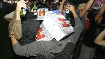 Schweizer Jugendliche trinken wieder öfters bis zum Umfallen