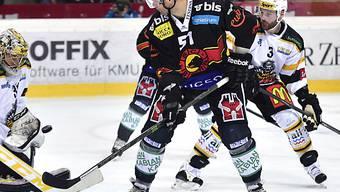 Berns Ryan Gardner zwingt Lugano-Goalie Merzlikins zur Parade