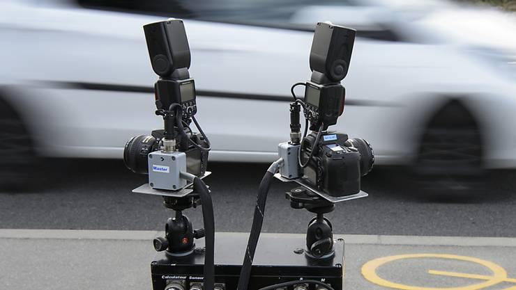 In Hornussen führte die Polizei Oberes Fricktal eine Geschwindigkeitskontrolle durch. Fünf Prozent der gemessenen Fahrzeuge waren zu schnell unterwegs. (Symbolbild)