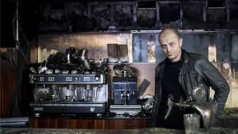 Im Erdgeschoss ist der Feuerschaden umfassend: Co-Geschäftsführer Frank Braun im Kino Houdini, das seine Türen vorübergehend schliessen muss.