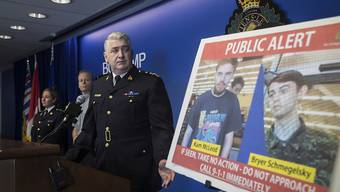 Die kanadische Polizei hat nach dem Mord an drei Menschen vergangene Woche nun zwei Verdächtige im Visier.