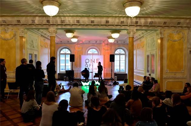 Lieder über die Emotionen des Lebens: Die Band «Wow» im Hotel Limmathof.
