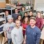 Die Firmengründer Nicholas Hänny und Robin Gnehm (v.l.) mit ihren Arbeitskollegen im vergangenen Herbst.sandra ardizzone