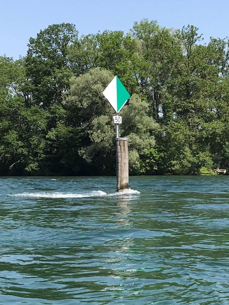 Das Seefahrtszeichen, eine sogenannte Wiffe, mit der Nummer 50 trägt den Namen Mörder.