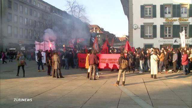 Anti-WEF-Demo mit Polizei-Grossaufgebot