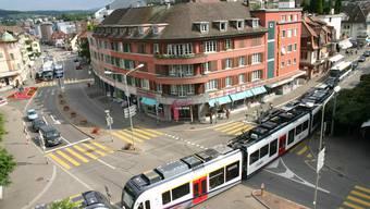 «Es ist eine Liberalisierung, die den Markt spielen lässt. Und der Markt soll entscheiden», begründete Peter Metzinger die befürwortende Haltung der FDP zur Aufweichung der Parkplatz-Vorschriften.