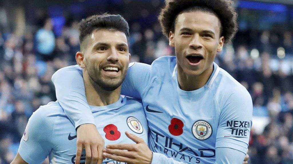 Feiern Manchester Citys Tor zum 2:0 gegen Arsenal: Sergio Agüero (links) und Leroy Sané
