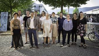 v.l.: Sarah Hänggi (Dirigentin, Breitenbach); Elia Schwaller (Szenograf, Recherswil); Daniel Müller (Kunschaffender, Olten); Kaspar Flück (Maler, Zürich); Andreas Jäggi (Kunsschaffender, Ligerz); Florian Amoser (Fotograf, Lausanne); Aline Stalder (Kunschaffende, Solothurn/Basel); Lea Pfister-Scherer (Kulturvermittlerin, Solothurn); Jonas Schaffter (Filmschaffender, Basel); Alexandra von Arx (Autorin, Boulogne-Billancourt), Denise Hasler (Theaterschaffende, Zürich); Eva Herger (Sängerin, Bolken)