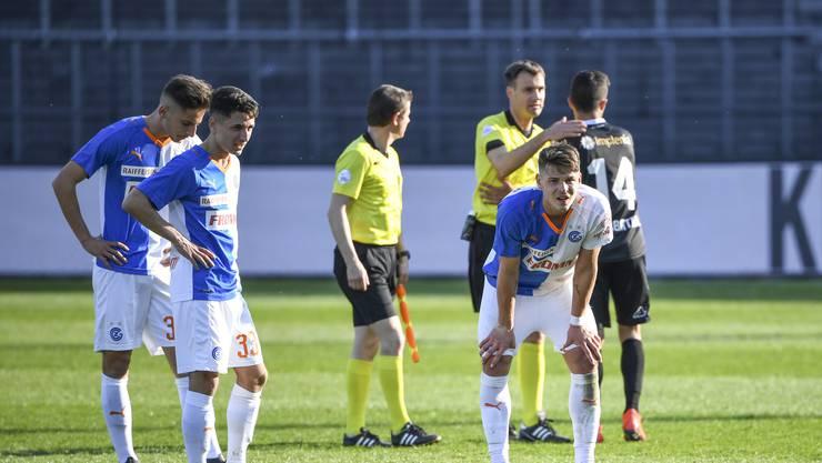 Am Schluss reichte ihre Leistung doch nicht aus: Die GC-Spieler lassen nach dem 1:1 gegen Lugano die Köpfe hängen.