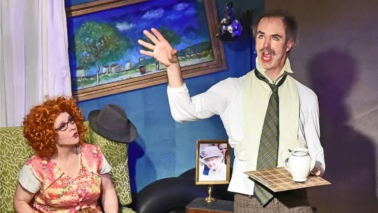 Komiker-Duo Cécile Steck und Didi Sommer in ihrem ersten abendfüllenden Stück «Bitte wenden».