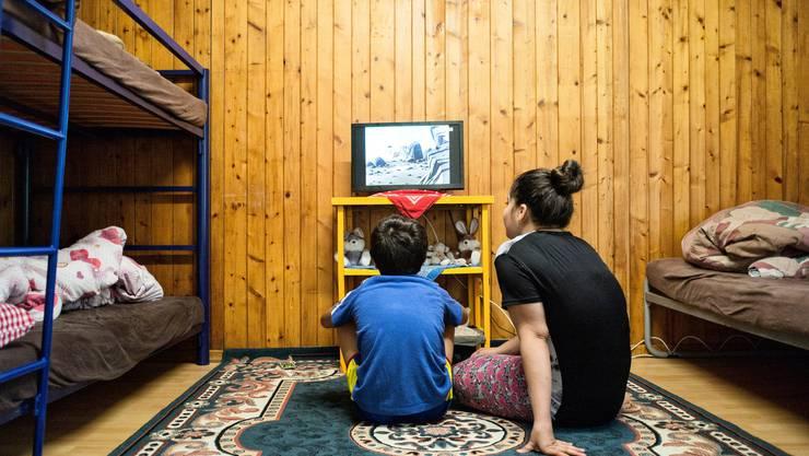 Eine Flüchtlingsfamilie aus Syrien im Wohnzentrum für Asylsuchende in Liestal.