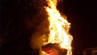 Sissacher Chluri brennt auf dem Scheiterhaufen