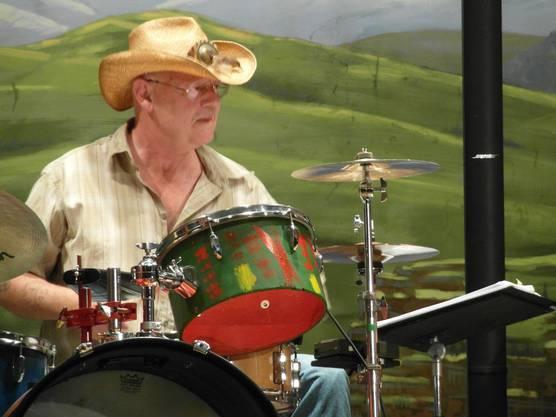 Der Schönenwerder Max Röthlisberger, Drummer und Chef der Band.
