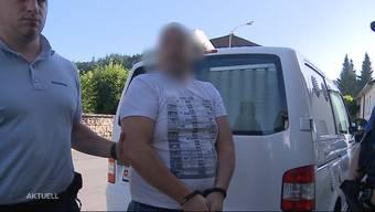 Der Mann soll seine Wohngemeinde um über 200'000 Franken Sozialhilfe geprellt haben. Dieser musste sich nun in Unterkulm vor Gericht verantworten.