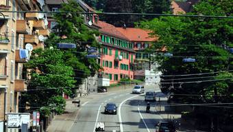 Auf dem Rosengartenareal zwischen Buchegg- und Rosengartenstrasse (hier abgebildet) entsteht voraussichtlich ein Studentenwohnhaus. (Archivbild)