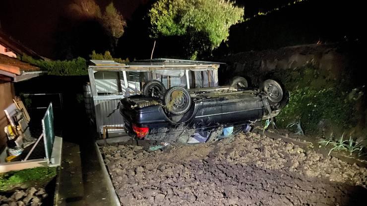 Der Neulenker blieb unverletzt, an seinem Auto hingegen entstand Totalschaden.