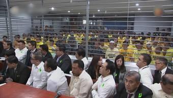 Zehn Jahre nach dem schlimmsten politischen Massaker der Geschichte der Philippinen wurden die Drahtzieher der Tat wegen Mordes verurteilt. Acht Mitglieder der Ampatuan-Familie wurden von einem Gericht in Manila verurteilt. Die Angehörigen der Politikerdynastie wurden zu jeweils 30 Jahren Haft ohne Bewährung verurteilt.