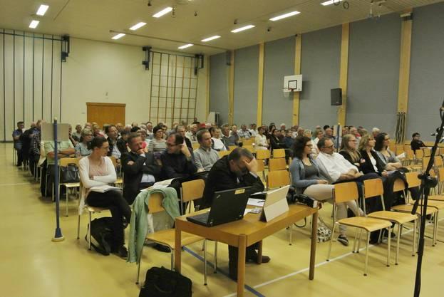 Von den insgesamt 3428 Fislisbacher Stimmbürger waren 101 anwesend.