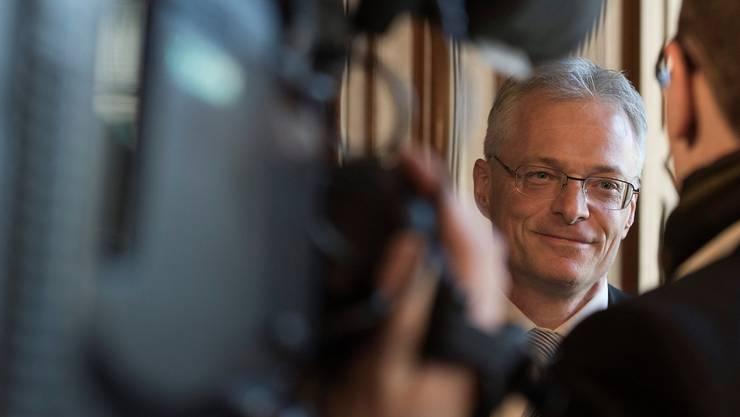 Auch am Tag nach Annahme der Initiative ist das Medieninteresse an Thomas Minder unvermindert gross.key