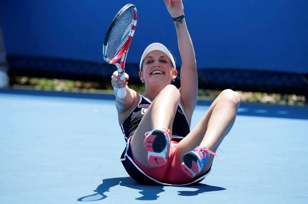 Timea Bacsinszky tat sich gegen die Amerikanerin und Qualifikantin Anna Tatishvili allerdings schwer: Sie benötigte zwei Stunden und 20 Minuten für einen 6:7 (5:7), 6:3, 6:2-Erfolg.