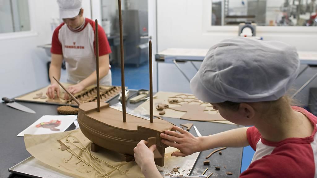 Piratenschiff aus Schokolade für die Lehrabschlussprüfung: Diese und die Maturitätsprüfungen sollen 2021 trotz Corona wenn immer möglich regulär stattfinden. (Archivbild)