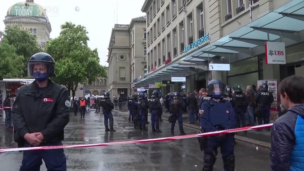 Polizeien reagieren unterschiedliche auf Menschenansammlungen