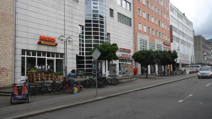 Migros an der Wengistrasse wird für die Umbauzeit in ein Provisorium vorne an der Ecke zur Westbahnhofstrasse ziehen.