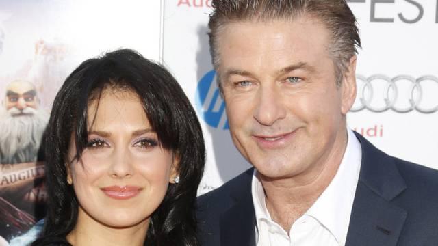 Schauspieler Alec Baldwin und seine Ehefrau Hilaria werden im Sommer Eltern (Archiv)