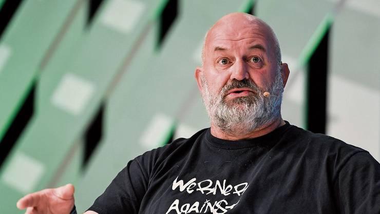 Glatze, Bart und T-Shirt: Werner Vogels ist Technologiechef und Chefvisionär von Amazon.