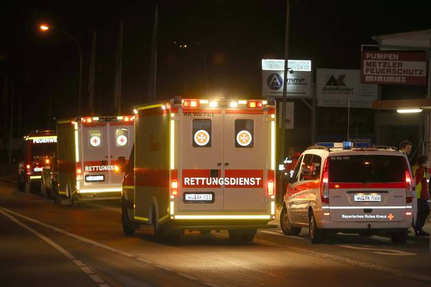 Ein 17-jähriger Flüchtling hat in einem deutschen Regionalzug Passagiere mit einer Axt attackiert.
