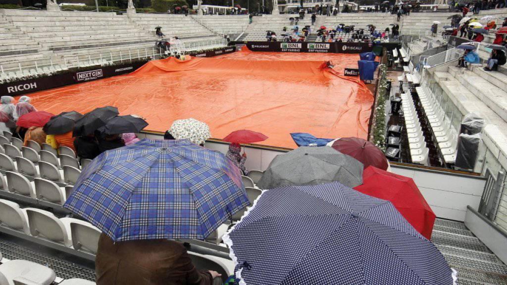 Rom im Regen: Die Federer-Fans gedulden sich am Mittwoch vergebens