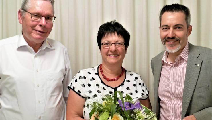Heimleiter-Ehepaar, Rita und Stefan Gerschwiler mit dem Nachfolger Ralph Huggel (re)