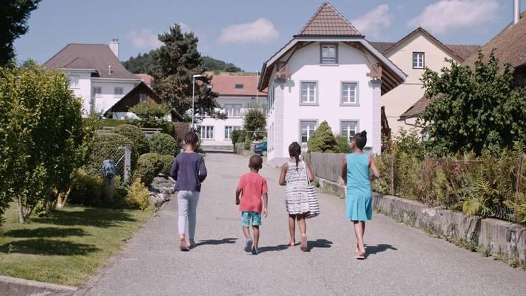 Wie gehen wir in der Schweiz mit Asylsuchenden um? Der Film «Willkommen in der Schweiz» dokumentiert den Fall Oberwil-Lieli.
