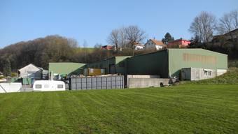 Das Entsorgungscenter in Hornussen befindet sich direkt an der Schulstrasse.