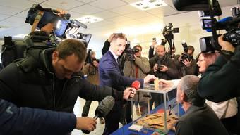 Pazifist und Separatist: Gilles Simeoni am Sonntagmorgen bei der Stimmabgabe in Bastia.