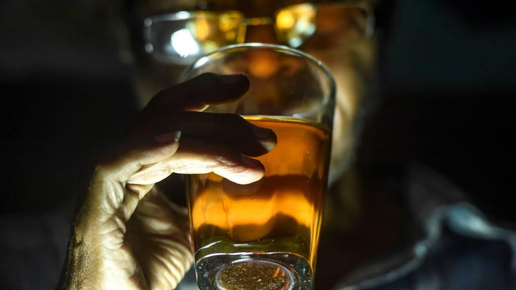 Alkohol, Drogen, Glücksspiel: Pandemie kann süchtig machen
