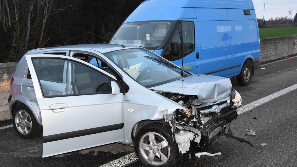 Zwei Verletzte nach Unfall auf A1