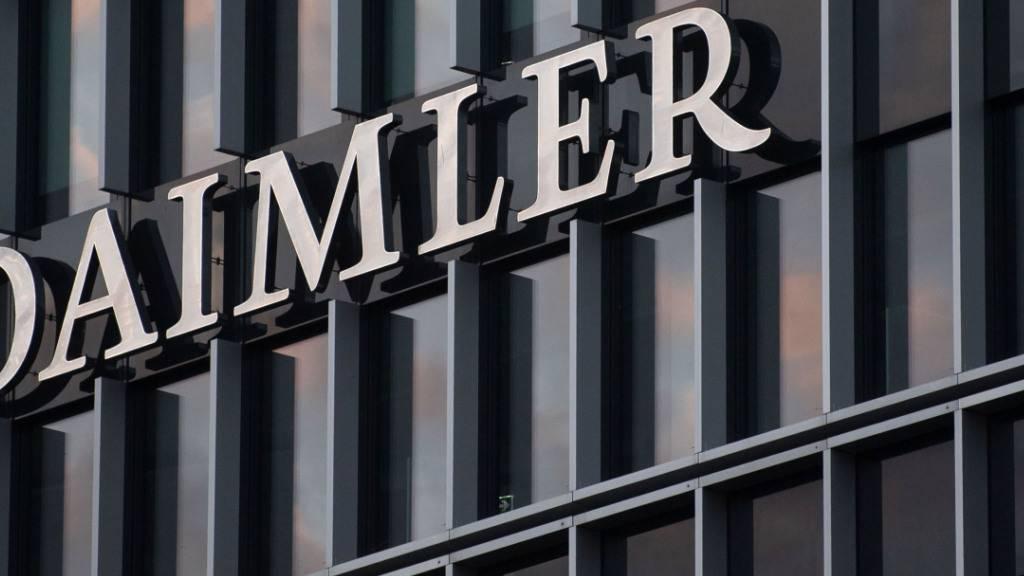 Die Lkw-Sparte von Daimler soll an die Börse: Konzern-Logo in Stuttgart.