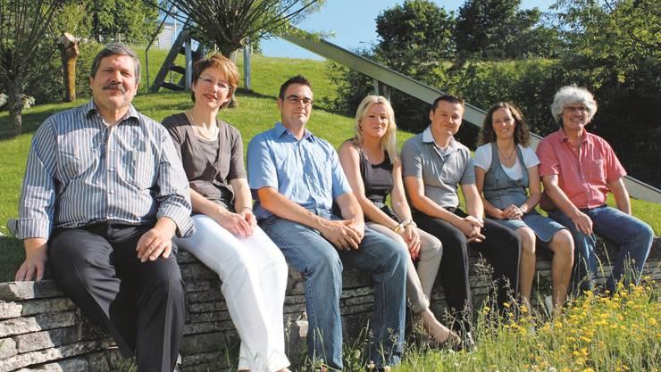 Zur Wahl stellen sich (von links nach rechts): Urs Leuenberger (bisher), Erika Schranz (bisher), Severin Brudermann (neu), Christina Voney-Taufer (neu), Damir Nedic (neu), Barbara Leuenberger (bisher) und Gery Meier (bisher).