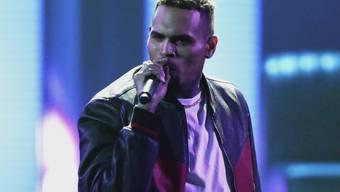 Wegen illegalem Affenbesitz: Chris Brown hat Ärger mit den Behörden. (Archivbild)