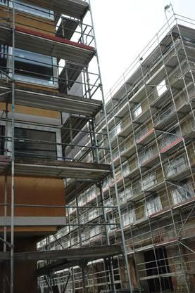 Nun wird das Kunz-Areal umgenutzt. Das Gebäude wurde auf die ursprüngliche Struktur reduziert. Neu entstehen 50 Lofts im Edelrohbau mit unterschiedlichen Grundrissen und fast vier Meter hohen Räumen.
