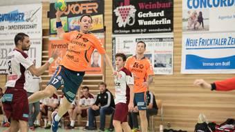 Marcus Hock wirft zehn Tore gegen Wädenswil.
