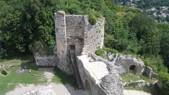 Der Pulverturm ist eines der markantesten Merkmale der Landskron: Er soll saniert werden.