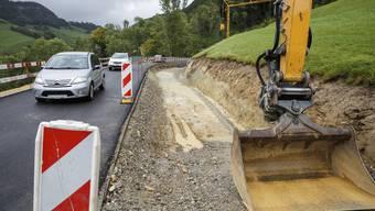 Die Strassenbauarbeiten an der Passwangstrasse strapazieren die Nerven der Automobilisten. (Archivbild)
